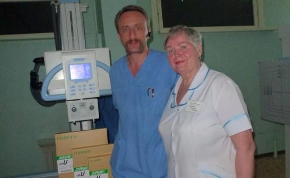 Auf dem Foto: Ärzte des Krankenhauses mit unseren Gefäßprothesen